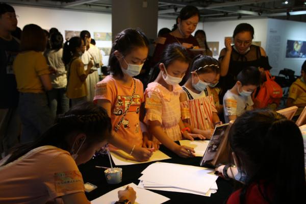 重庆图书馆举办《中国神话有意思》绘本展览讲座
